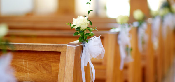Selecting The Flower Arrangement For Church Weddings
